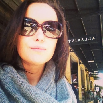 Oh who's a happy girl at All Saints? ME!!! Scarf: Maison Scotch, Sunglasses: Burberry
